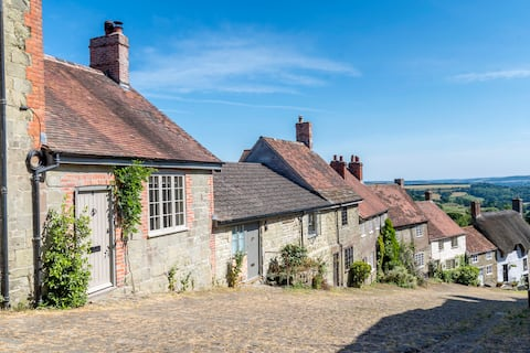 Stay right on Gold Hill (famous Hovis ad!)