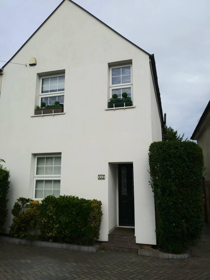 Cosy family friendly home in Borehamwood/N. London