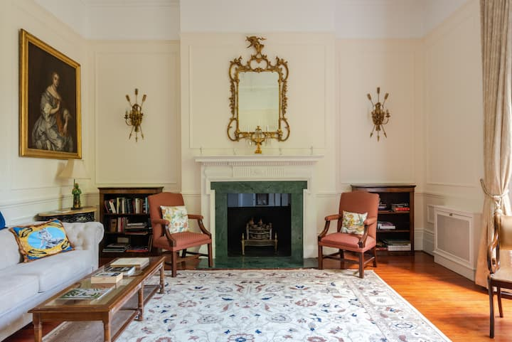 Live like a Lord in a historic Chelsea flat