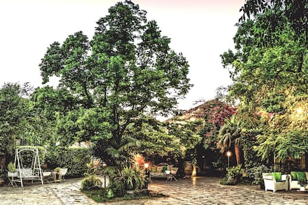 Etna casetta nella corte di casa - Mascalucia
