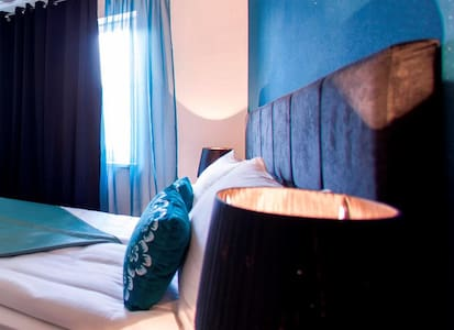 ESHE Hotel in Old Town - Private Room & bathroom - Sarajevo - Bed & Breakfast