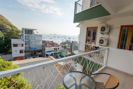 Studio Apartment with stunning sea views