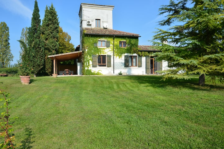 Wonderfull Villa Near Lake and Golf Peschiera