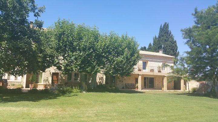Studio  mas provençal  (4 voyageurs )