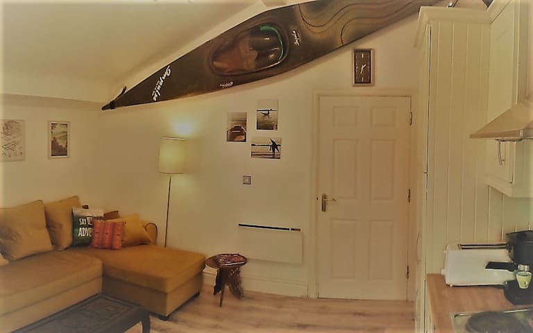Quirky Traveller's Loft, 15min from the Docks - Liverpool - Apartament