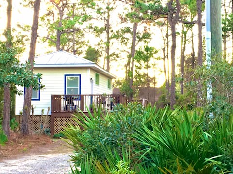 Y Knot? Tiny house cottage in Seagrove Beach, 30-A