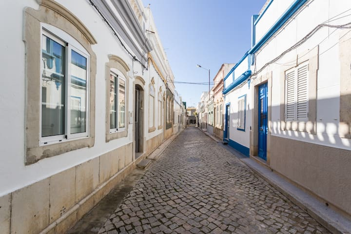 Traditional Seaside Olhao TownHouse