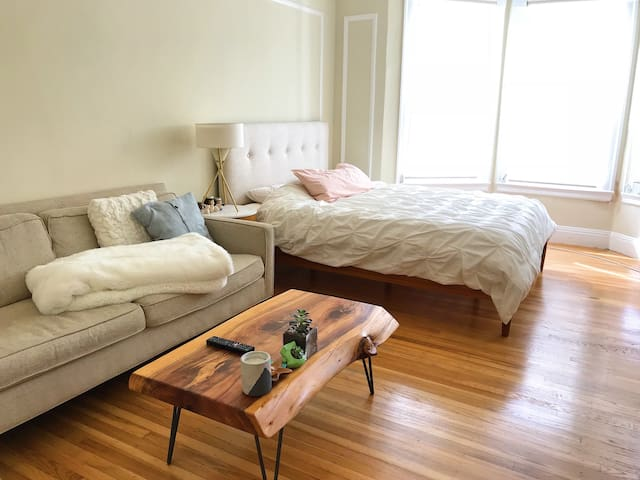 Cozy Studio with Cable Car Access in Nob Hill