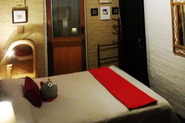 A comfortable Red Room in the heart of Overberg - Onrus - Huis