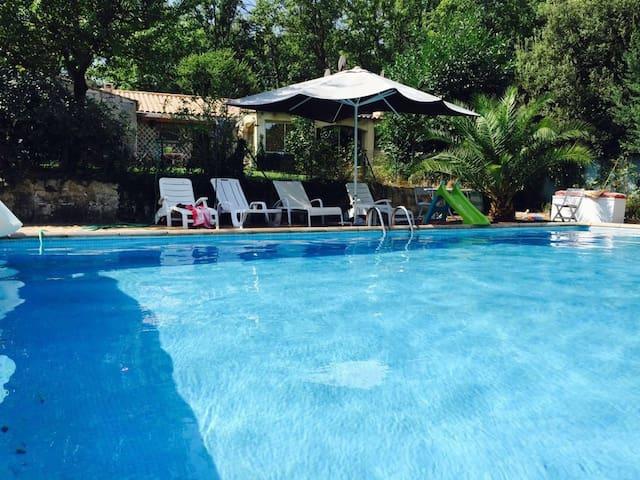 Petite villa avec Piscine - Flassans-sur-Issole - House