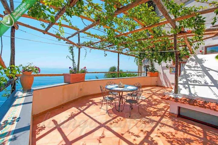 Amalfi: the biggest Villa, up to 22 people!