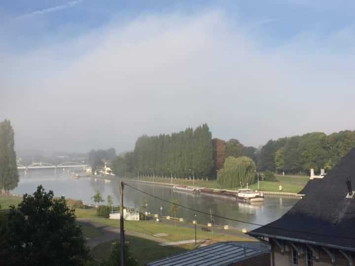 Chambre privée bord de l'Oise, UTC, centre ville.