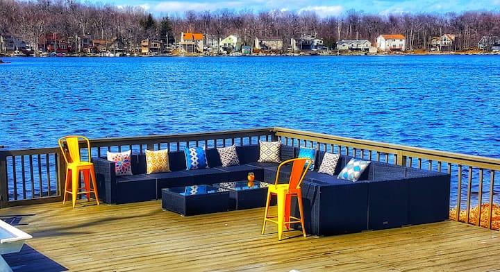 Lakefront Pets OK Decks Boats Firepit Grill Pocono