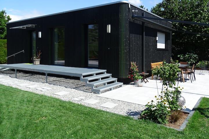Haus im Garten - Abstand zum Wohlfühlen