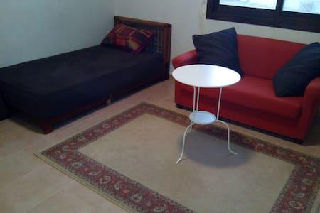 1 Master Bed Room in mirdif - 杜拜