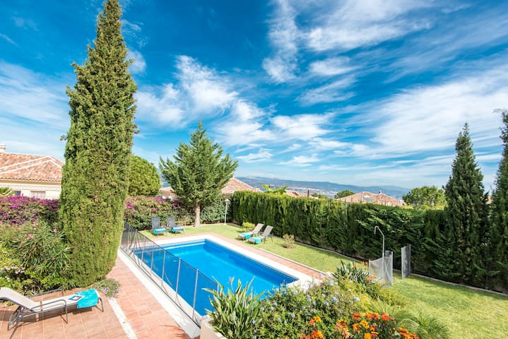 Amazing villa for 8 with private garden and pool.