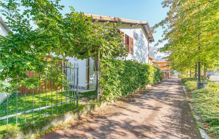 Holiday apartment with 2 bedrooms on 80m² in Porlezza (CO)