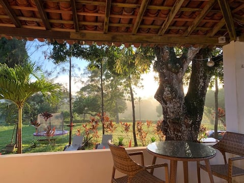 Casa no campo a 20 minutos do Recife.