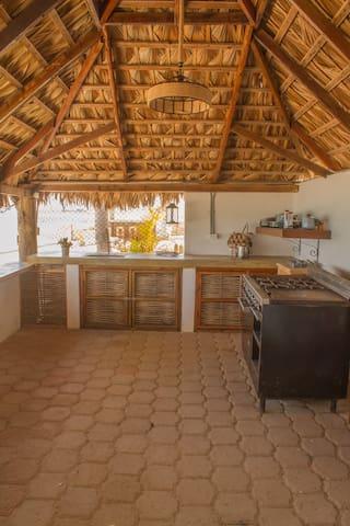Rancho Kitchen