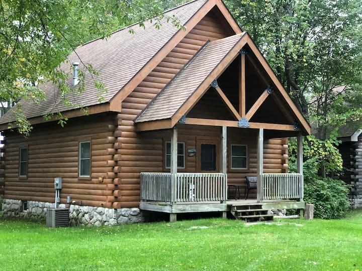 Adventure Awaits - Log Home at Double JJ Resort!