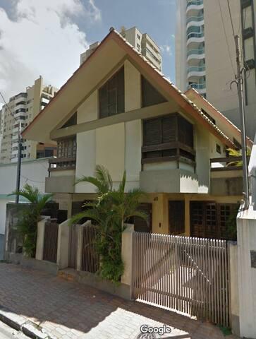 Casa Rua 3100 - 30m da praia! 2 vagas de garagem - Balneário Camboriú - Casa