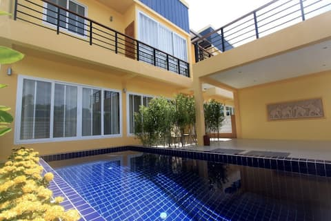 5 Bedroom Villa with pool