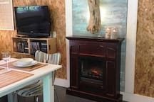 Foyer électrique, télé et lecteur dvd (pas de satellite)