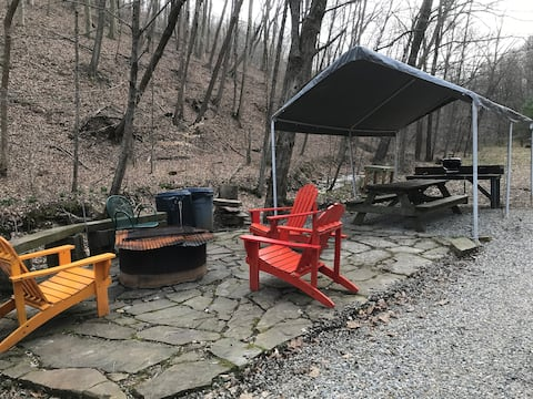 Hocking Hills Salt Creek Retreats YURT
