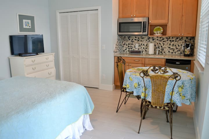Guest Space with Kitchenette