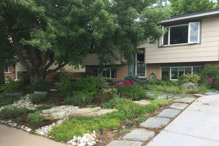 Stunning home, shaded backyard, mins from Pearl St