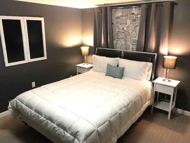 In the heart of Anchorage: Spenard Guest Room #1