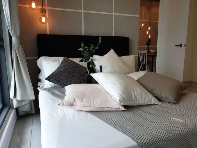 1CAOF_ 1BR Designer Suite Near Jalan Bukit Bintang