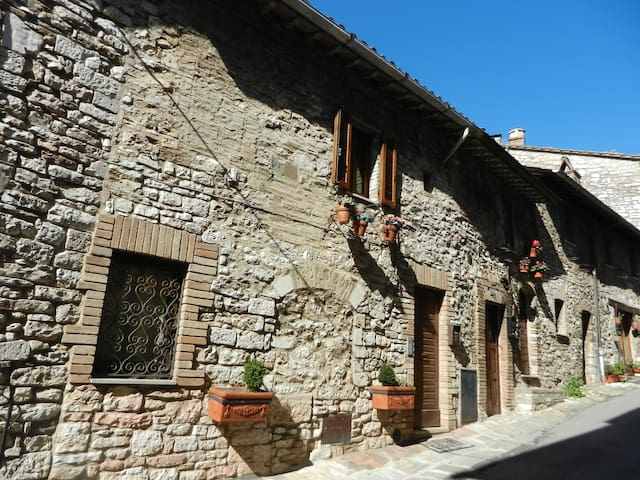 Porta Perlici - Casa di charme - Asís - Casa