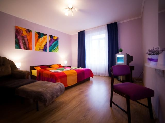 Best Apartments Kyryla  Mefodia sq.