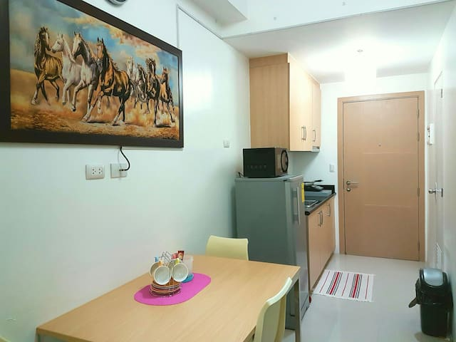 Book now! SM Light Res 1BR with Wifi and CableTV