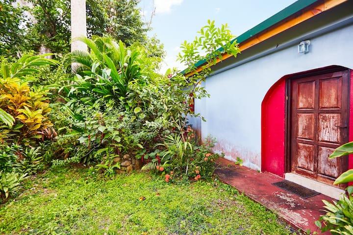 Hatton Garden: Rum Cottage