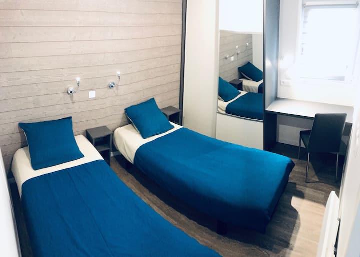 chalet deux lits en 90 avec accés au jacuzzi