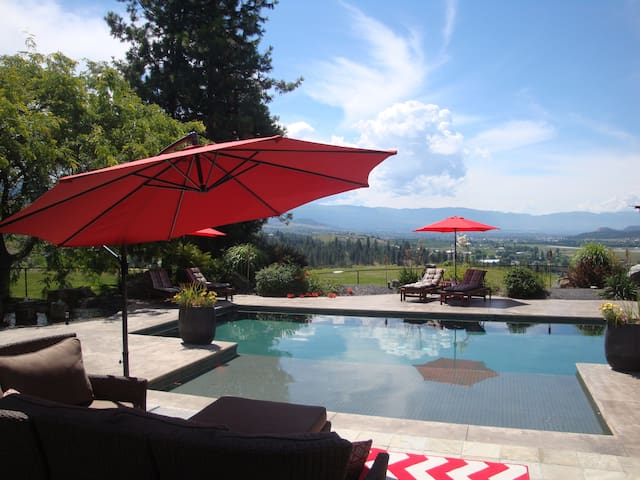Wine Country Bed and Breakfast - Cabernet Franc