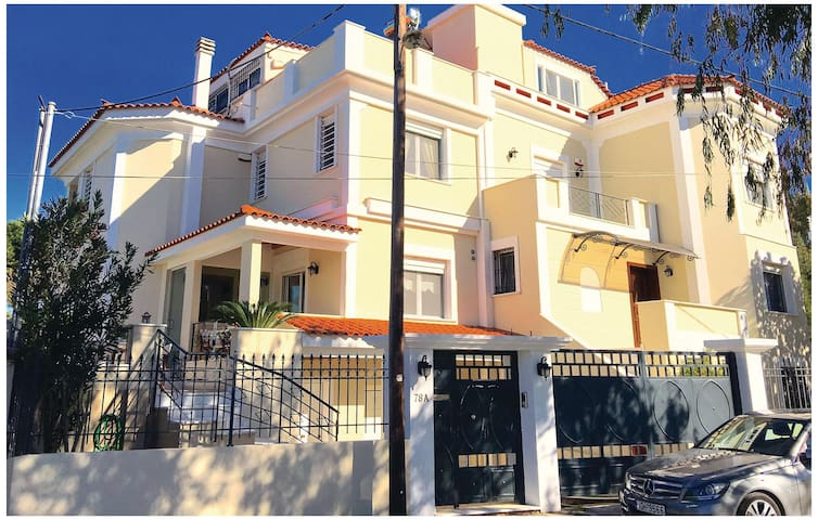 Semi-Detached with 3 bedrooms on 130 m² in Nea Makri