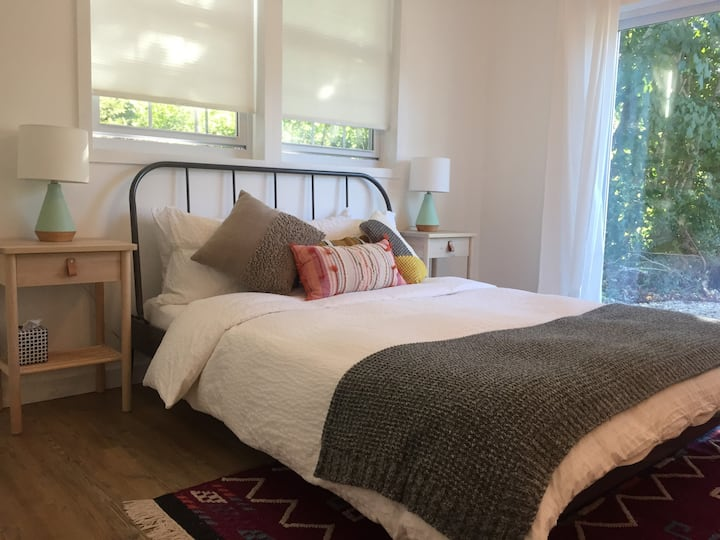 Village suite w/private entry near the beach