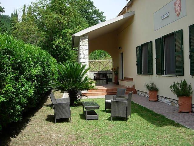 Villa a pochi minuti dalle Terme di Saturnia - Semproniano - Villa