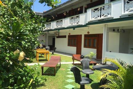 Srilanka ayurveda hotel - Hikkaduwa