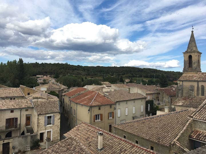 Authentic cottage in Cavillargues