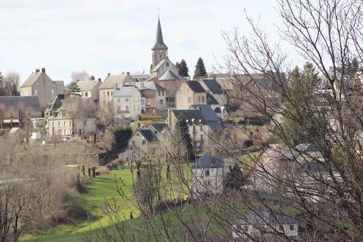maison de bourg 10 couchages,village de montagne