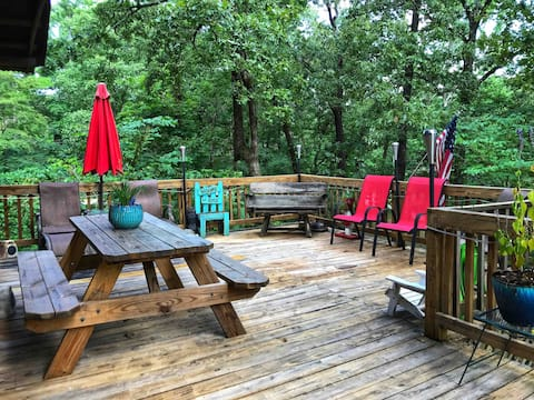 1800's Rustic Cabin w/Lake Access