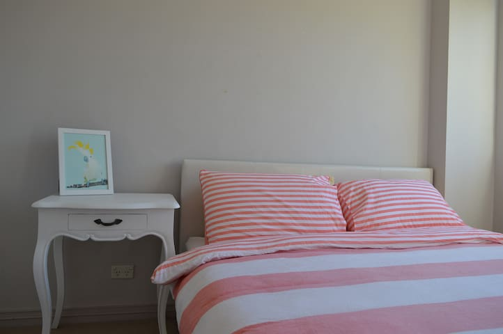 Light & Comfortable - Perfect for City & Beaches - Neutral Bay - Apartament