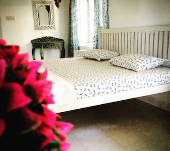 Charming serene VAGATOR home - Apartament
