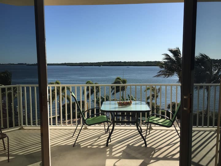 PRICELESS VIEW  Boca Ciega Bay Condo 1/1 #209