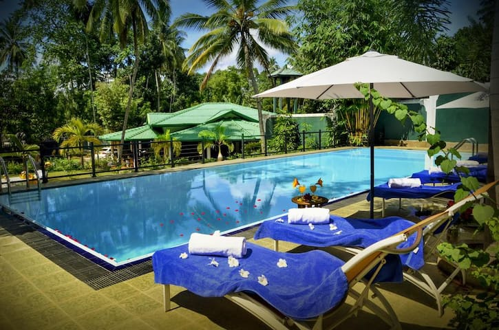 Kandy Villa with Private  Swimming Pool.