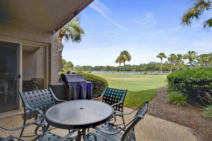Elegant 2 bedroom / 2 bath in Bluff Villas located in South Beach Sea Pines on Hilton Head Island